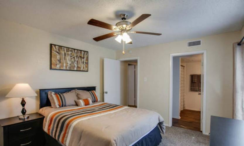 Rental by Apartment Wolf | Bay Island at Harbor Point | 6109 Bay Island Dr, Garland, TX 75043 | apartmentwolf.com