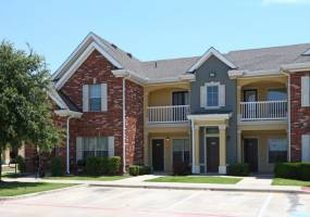 Rental by Apartment Wolf | Ironwood Crossing | 2600 Western Center Blvd, Fort Worth, TX 76131 | apartmentwolf.com