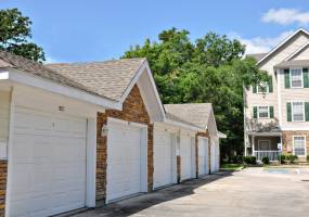 Rental by Apartment Wolf | Lodge at Kingwood | 938 Kingwood Dr, Kingwood, TX 77339 | apartmentwolf.com