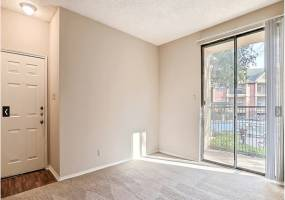Rental by Apartment Wolf | Jefferson Creek | 800 W Royal Ln, Irving, TX 75039 | apartmentwolf.com