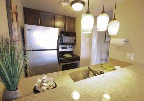 Rental by Apartment Wolf | LaVita on Lovers Lane | 6603 E Lovers Ln, Dallas, TX 75214 | apartmentwolf.com