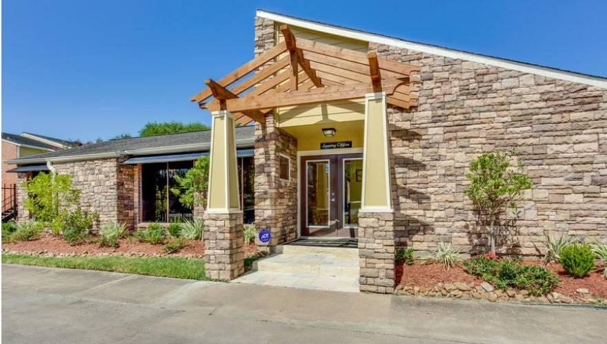 Rental by Apartment Wolf | The Establishment at 1800 | 1800 FM 1092 Rd, Missouri City, TX 77459 | apartmentwolf.com