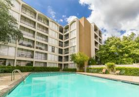 Rental by Apartment Wolf | Towne Square | 5225 Fleetwood Oaks Ave, Dallas, TX 75235 | apartmentwolf.com