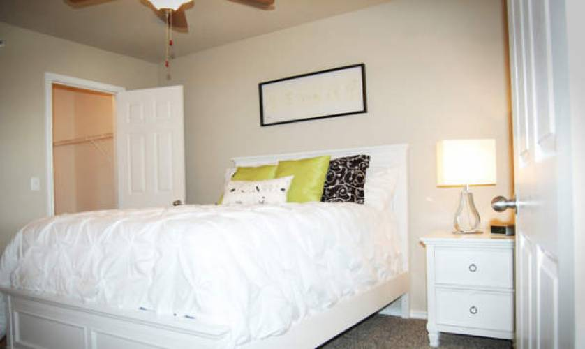 Rental by Apartment Wolf | Summit Ridge | 7460 Kitty Hawk Rd, Converse, TX 78109 | apartmentwolf.com
