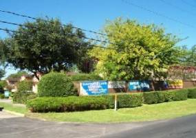 Rental by Apartment Wolf | Keystone Townhomes | 300 Belmont St, Tomball, TX 77375 | apartmentwolf.com