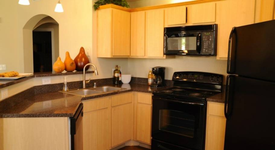 Rental by Apartment Wolf | Reserve at Autumn Creek Apartments | 3102 W Bay Area Blvd, Friendswood, TX 77546 | apartmentwolf.com