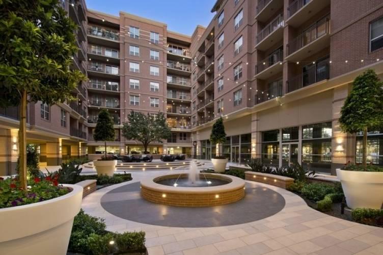 Rental by Apartment Wolf | Gables Tanglewood | 5740 San Felipe St, Houston, TX 77057 | apartmentwolf.com