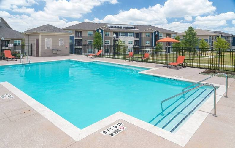 Rental by Apartment Wolf | Crestmont West | 5602 Selinsky Rd, Houston, TX 77048 | apartmentwolf.com