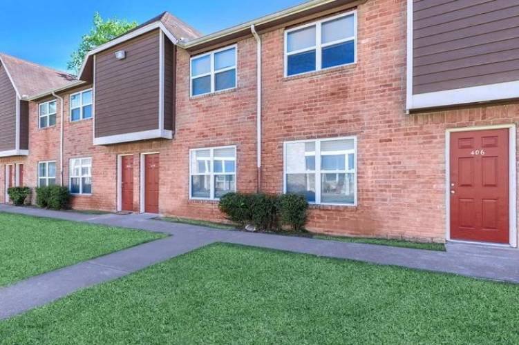 Rental by Apartment Wolf | Gia at Spring Branch | 1521 Sherwood Forest St, Houston, TX 77043 | apartmentwolf.com