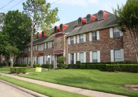 Rental by Apartment Wolf | Belmont Place/La Fontaine | 10501 Holly Springs Dr, Houston, TX 77042 | apartmentwolf.com