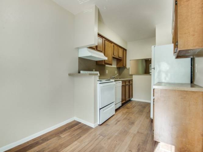 Rental by Apartment Wolf | Greenbriar Bend Apartments | 7000 Greenbriar St, Houston, TX 77030 | apartmentwolf.com