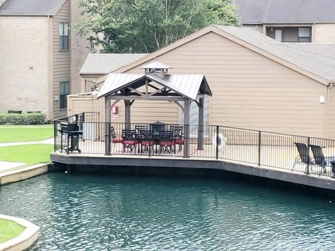Rental by Apartment Wolf | Lakebridge I & II | 300 Woerner Rd, Houston, TX 77090 | apartmentwolf.com