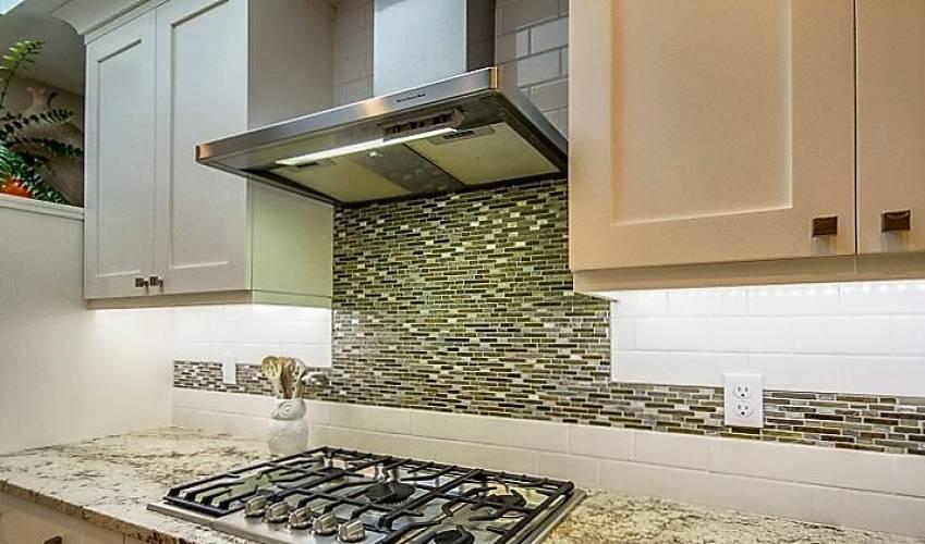 Rental by Apartment Wolf | Summer Creek Apartments | 3754 W Buckingham Rd | apartmentwolf.com
