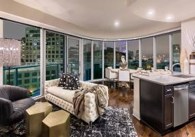 Rental by Apartment Wolf | One Uptown | 2619 McKinney Ave, Dallas, TX 75201 | apartmentwolf.com