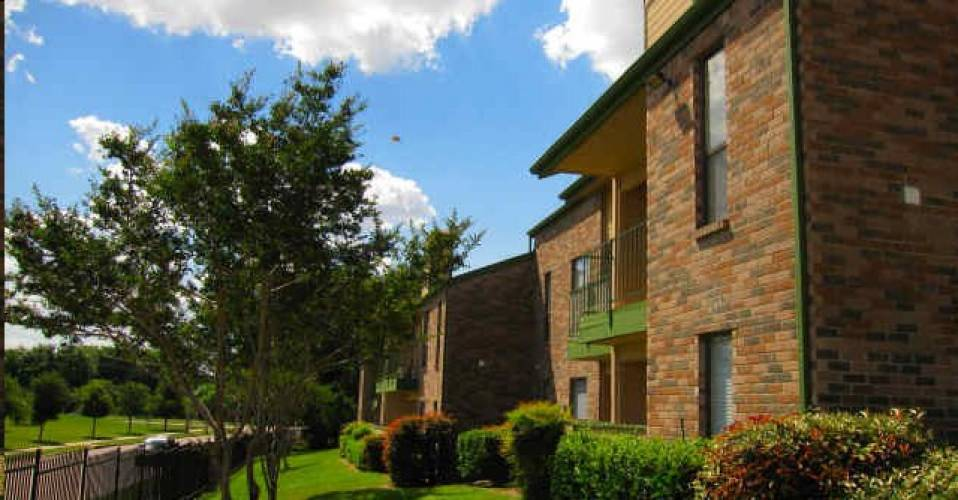 Rental by Apartment Wolf | The Forest at Duck Creek | 4328 Duck Creek Dr, Garland, TX 75043 | apartmentwolf.com