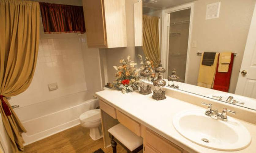 Rental by Apartment Wolf | Retreat at Spring Park | 2701 Lookout Dr, Garland, TX 75044 | apartmentwolf.com