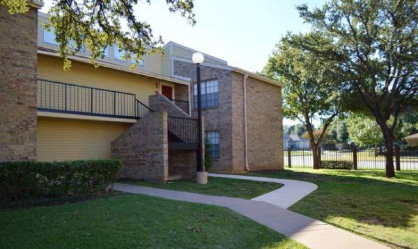 Rental by Apartment Wolf   Hulen Gardens   7415 Tallow Wind Trl, Fort Worth, TX 76133   apartmentwolf.com